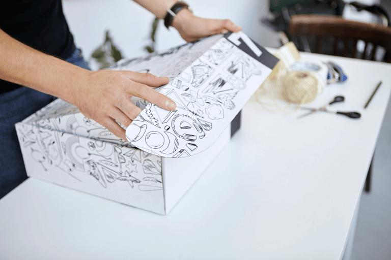 Emballage avec impression et contacts commerciaux