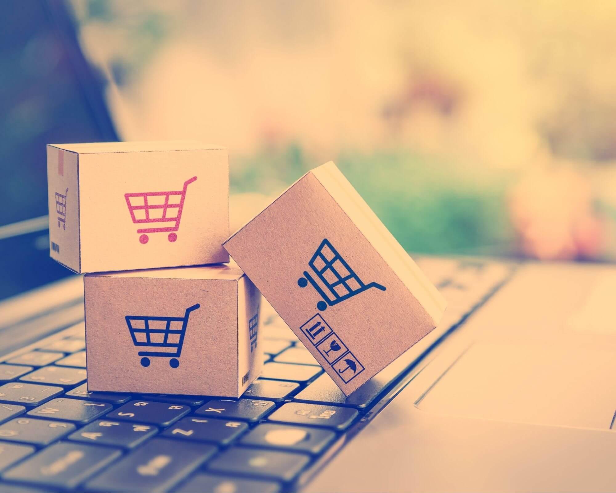 cajas de cartón reciclado para realizar envíos ecommerce
