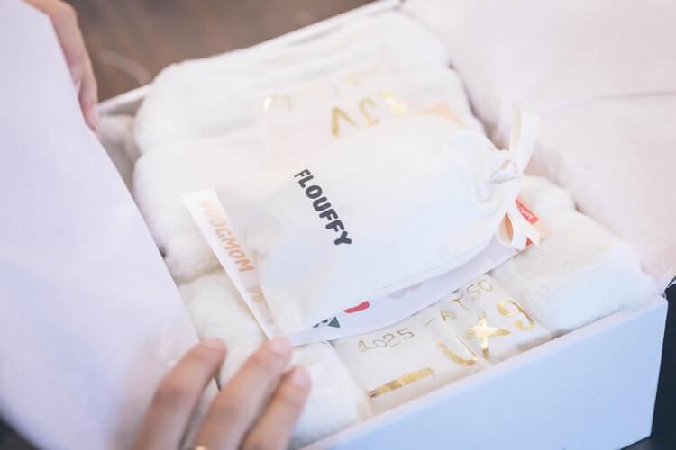 Flouffy scatola eco bianca e sacchetto in tela