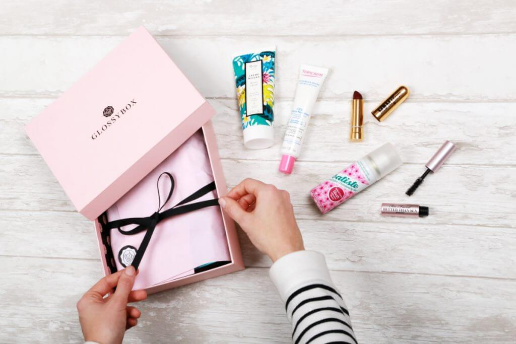glossybox-packhelp-post-inspirace