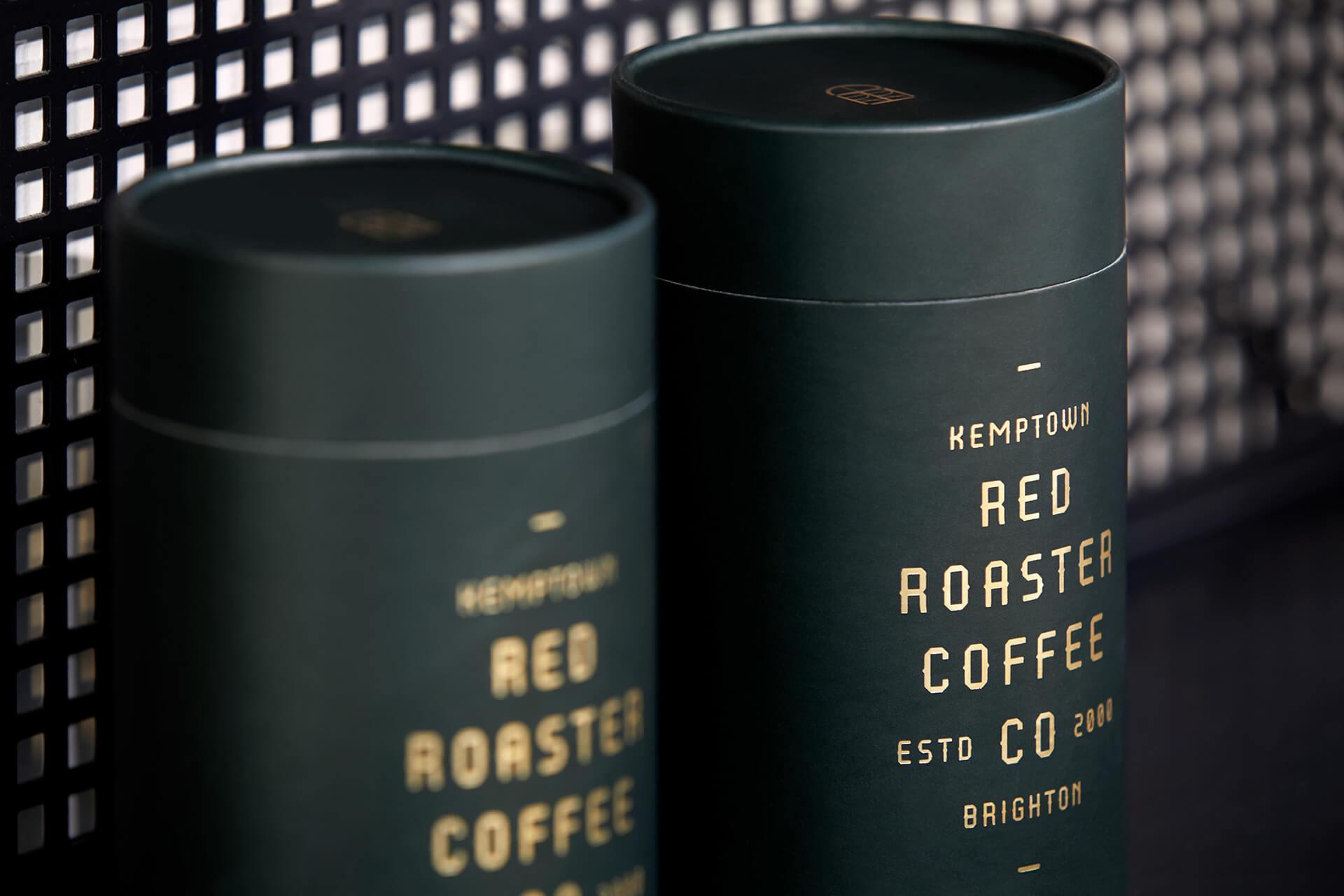 Emballage vert foncé de Red Roaster Coffee