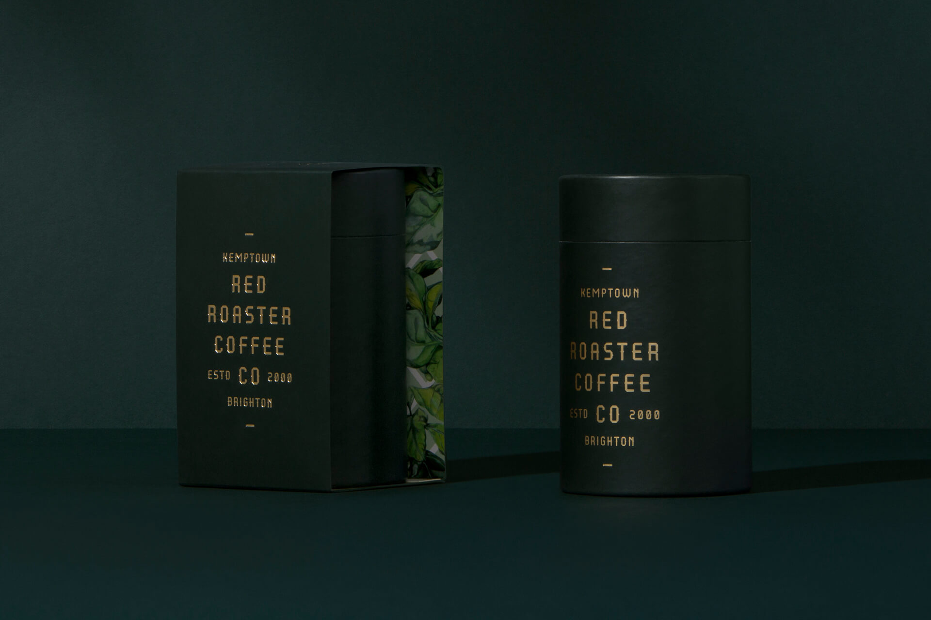 Design de packaging vert sombre de Red Roaster Coffee