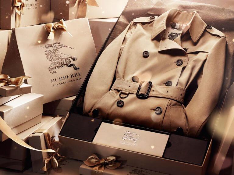 Imballaggio aziendale per Natale al dettaglio e la fiducia del cliente