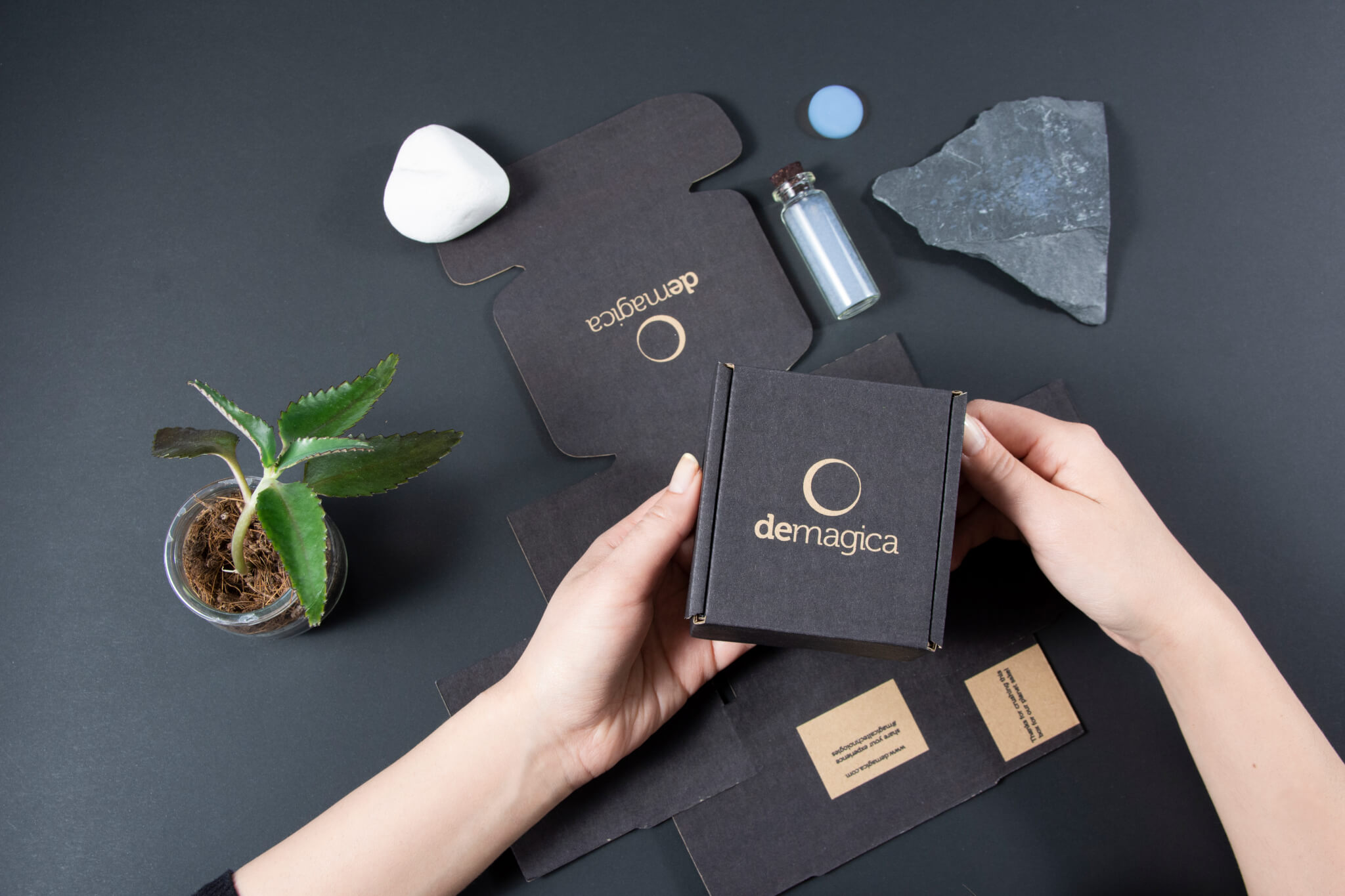 boxes custom-made demagica