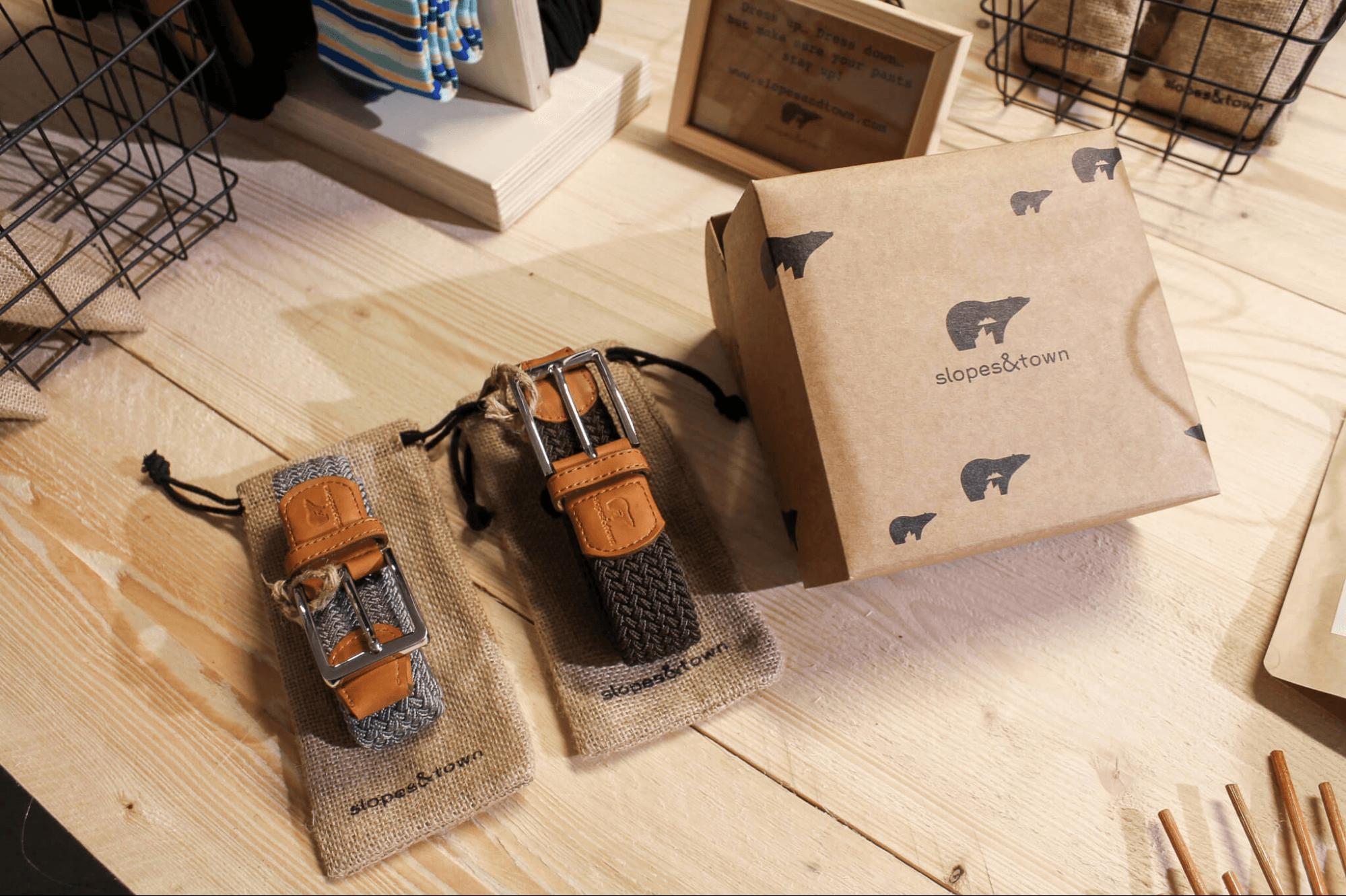 Emballage écologique en éco carton de la marque Slopes & Town conçu par Packhelp