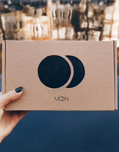 opakowania moonsling pudełka z kartonu recyklingowanego