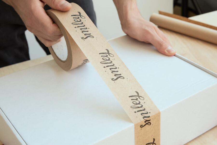 Kraft Packbänder mit aufdruck packhelp
