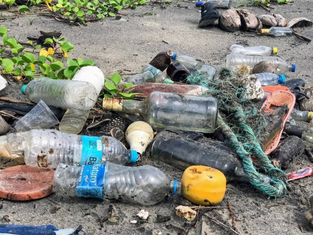 plastic sea pollution