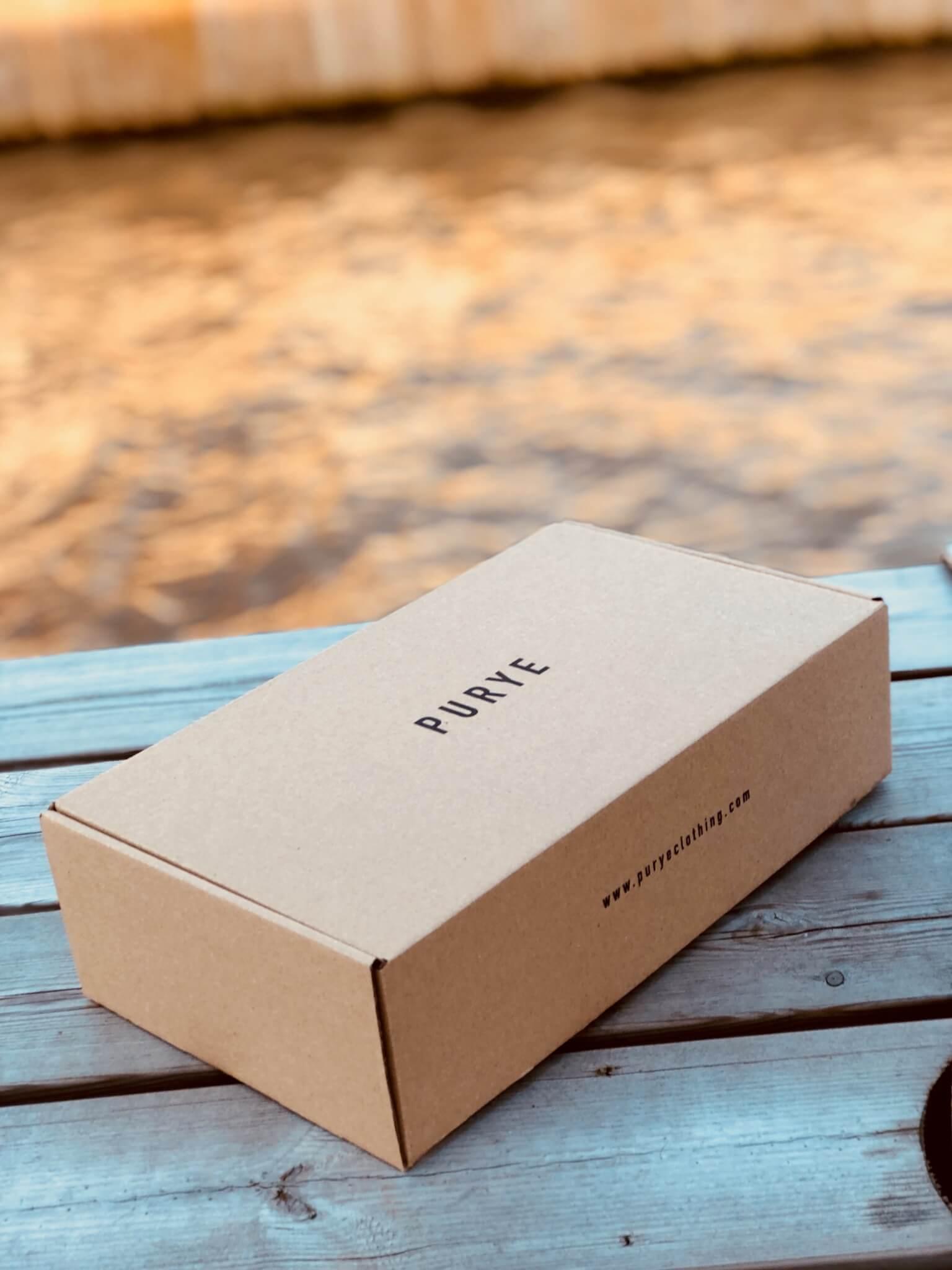 purye clothing_scatola postali_di cartone