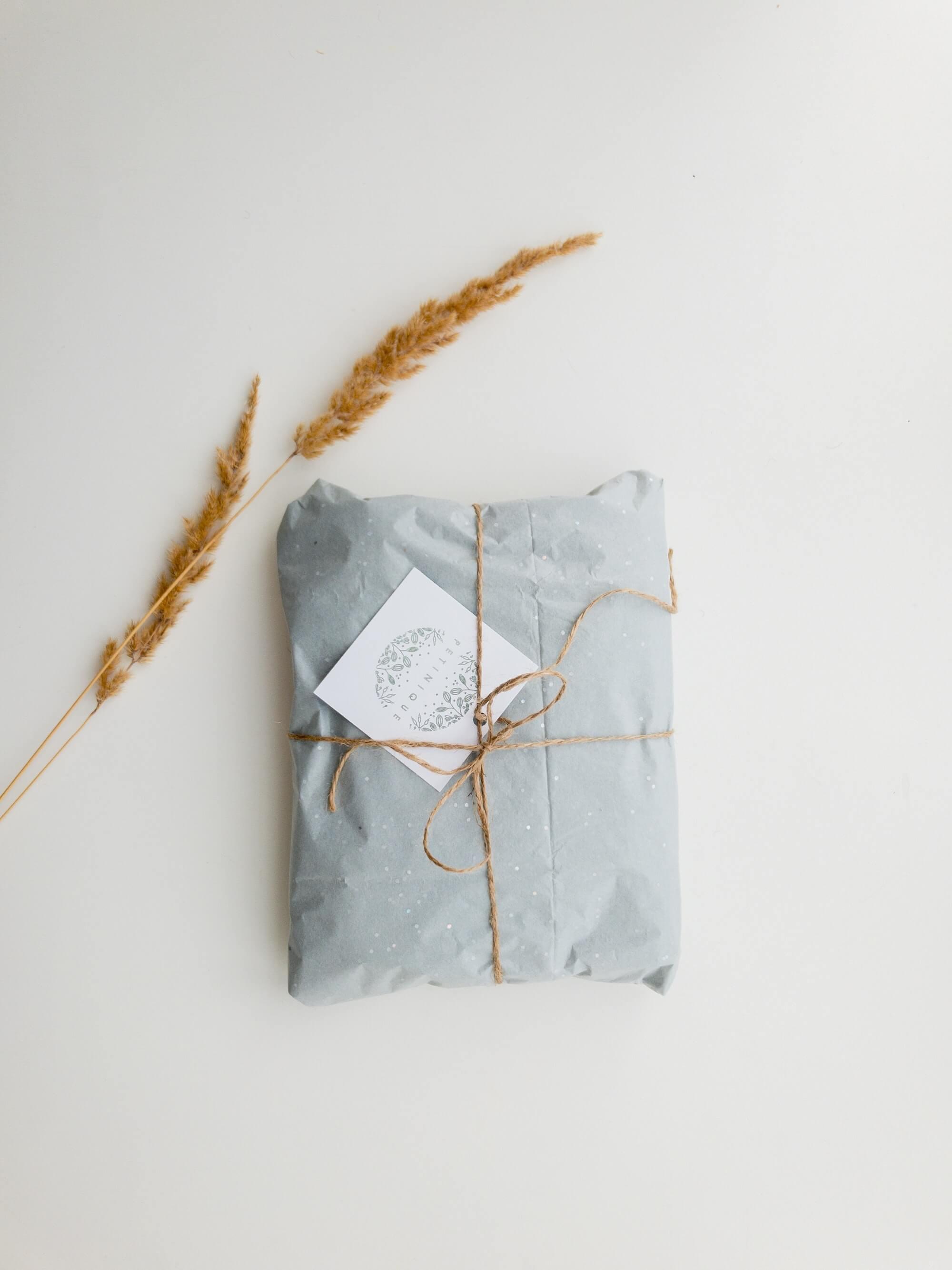 Packaging de Noël minimaliste