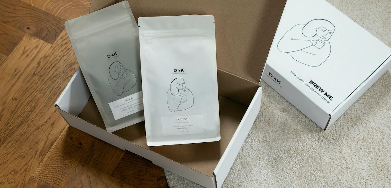 Boîtes du café Dak Coffee Roasters