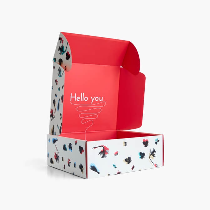 caja postal con impresion doble de marca packhelp