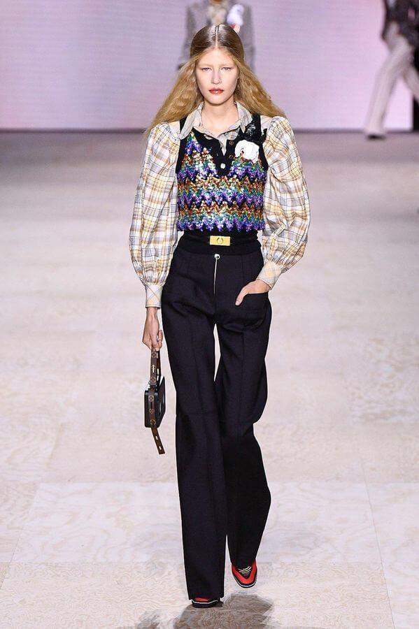 Défile de haute couture de Louis Vuitton