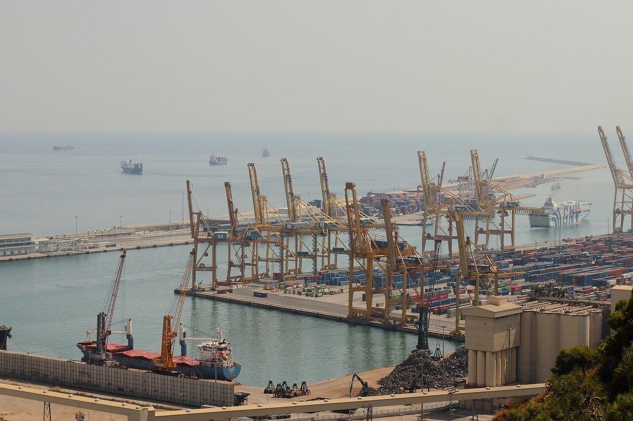 Zásílání zboží do zahraničí přístav
