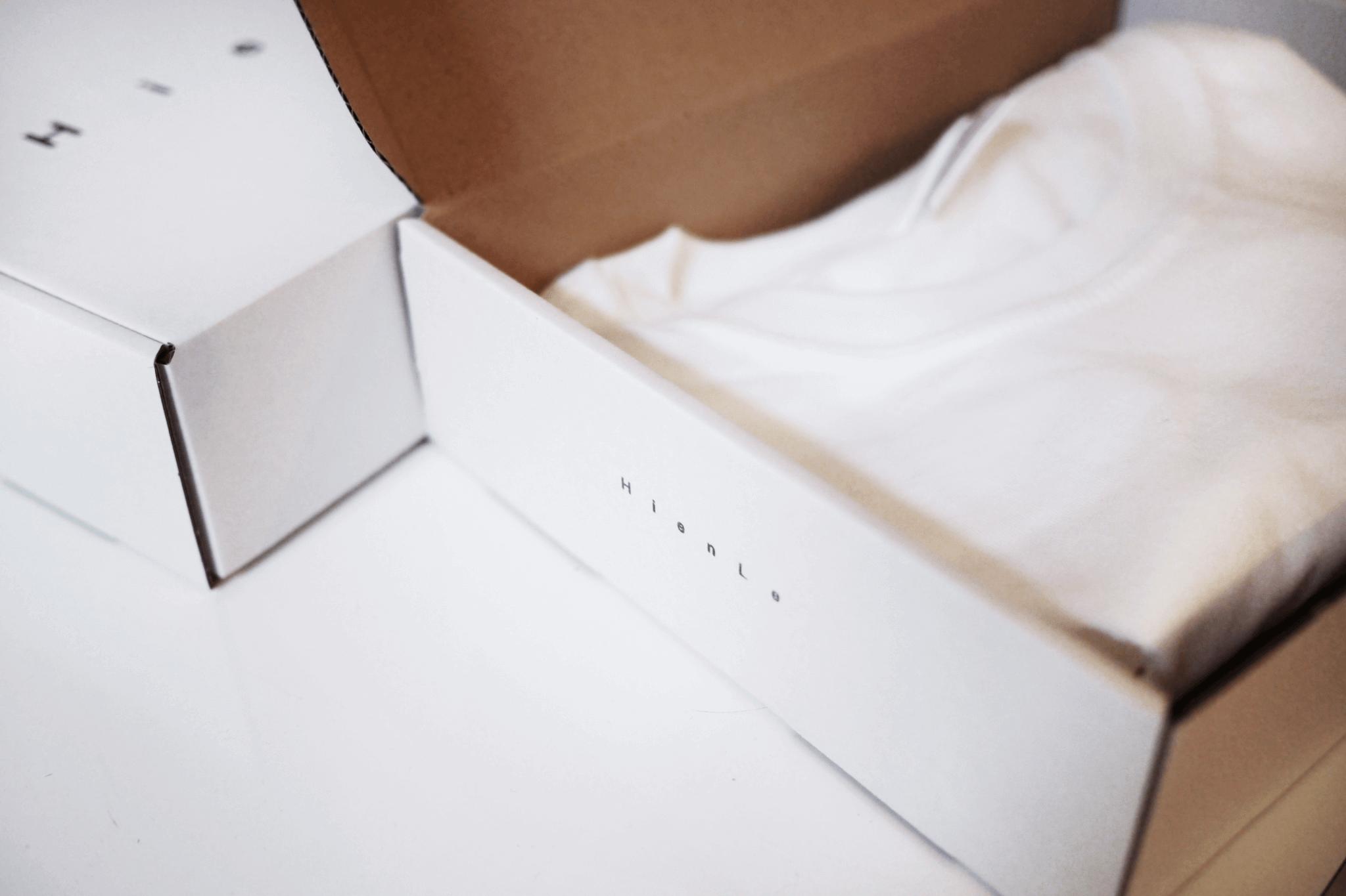 Hien Le bílé krabice s potiskem na míru