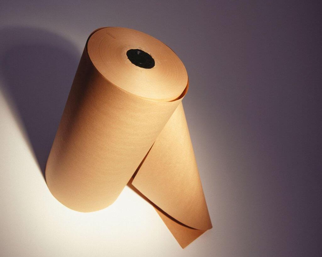 un rollo de papel kraft