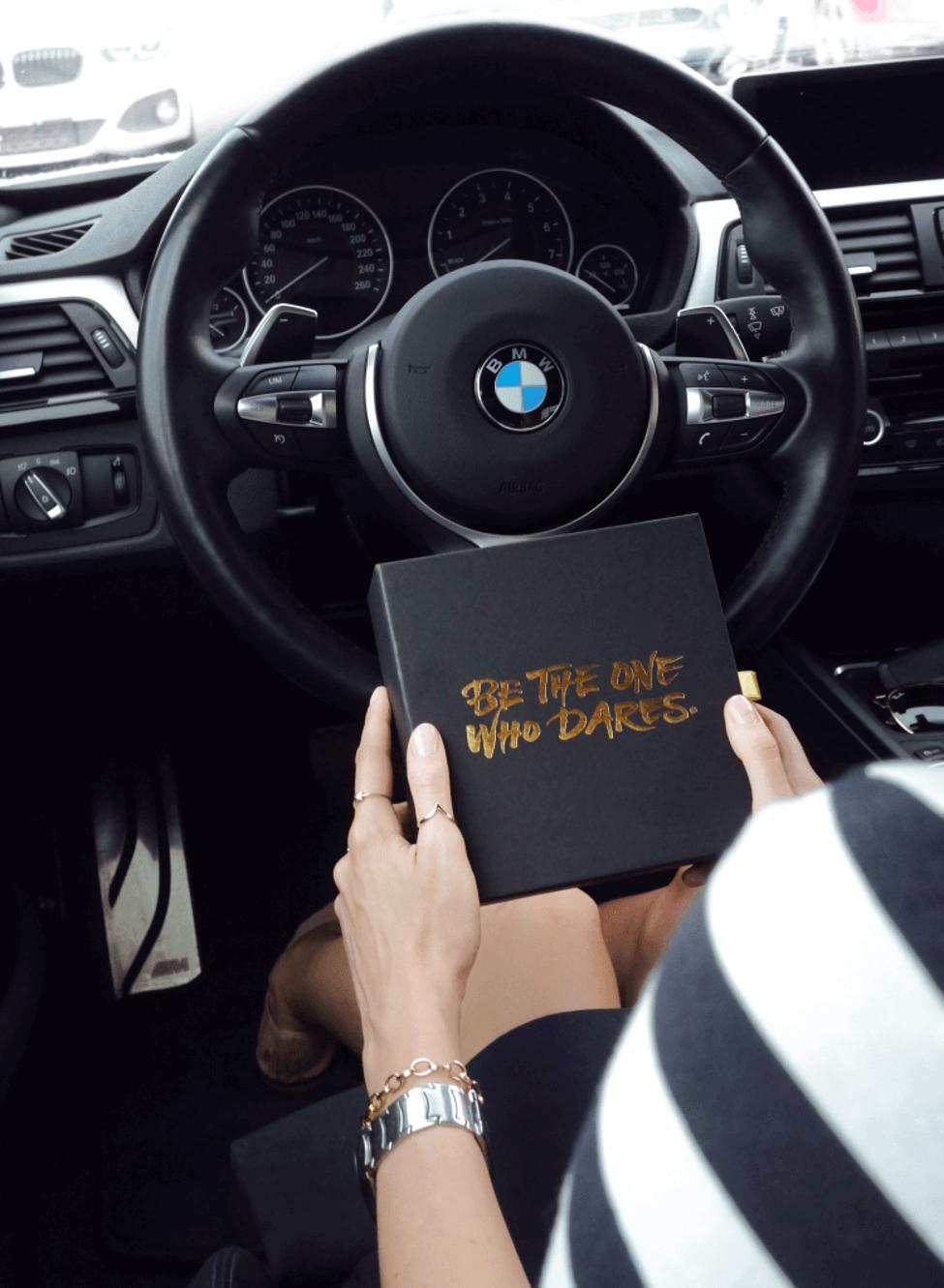 Coffret invitation personnalisé pour BMW