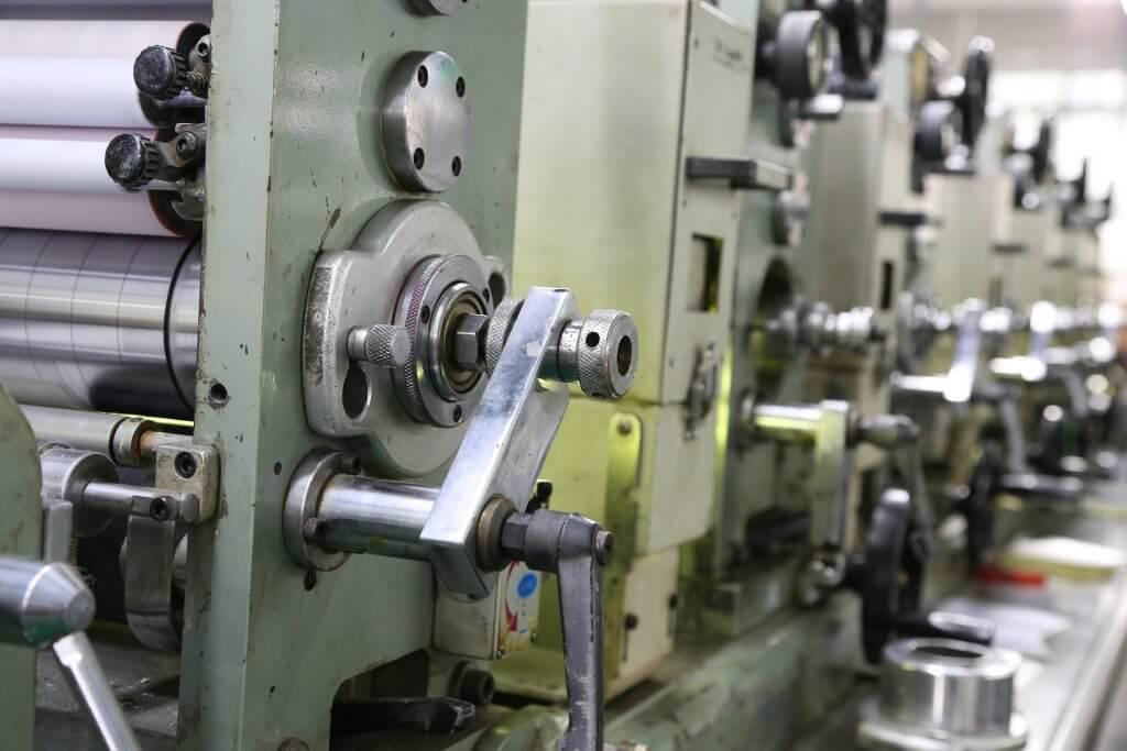 Offsetdruck Maschine von der Seite