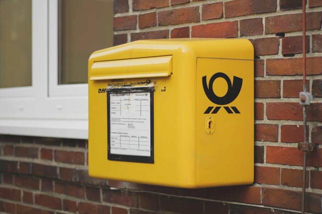 Maxibrief - Briefkasten der Deutschen Post