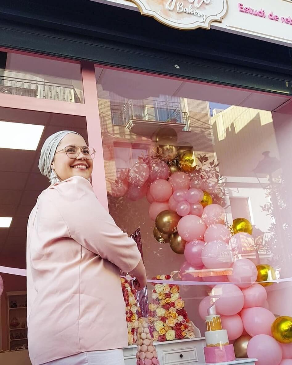 la dueña de The Hayati Bakery abre su tienda