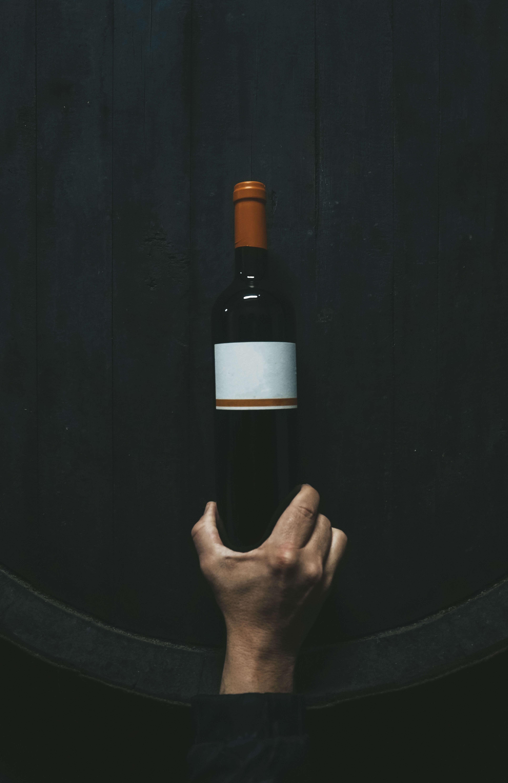 Etichetta vino minimal packaging alimentare