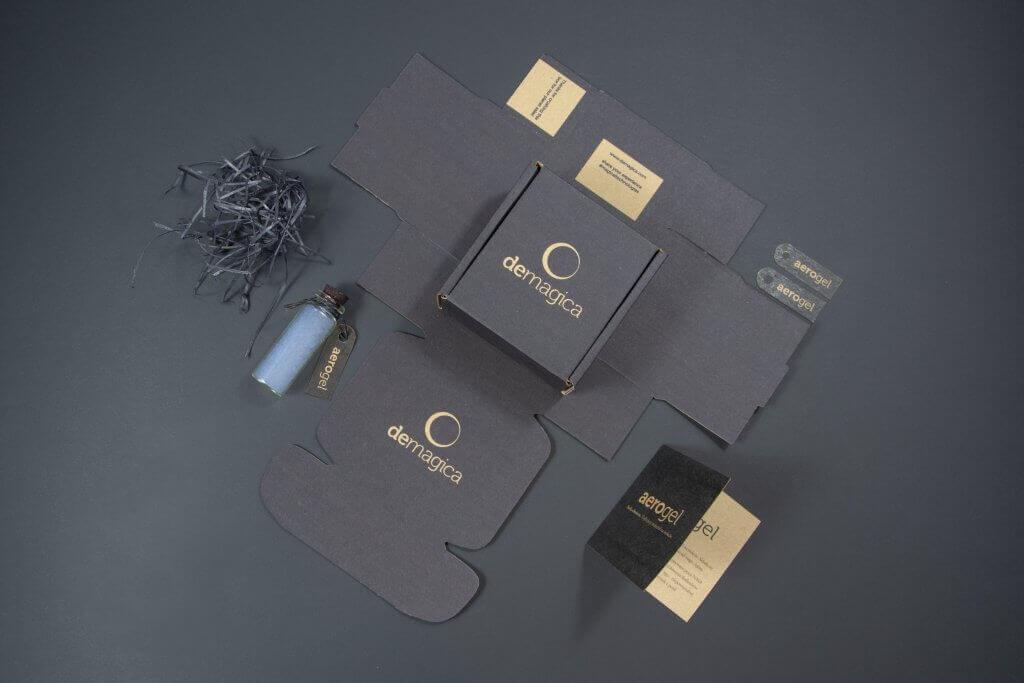 kraftový papír černá krabice
