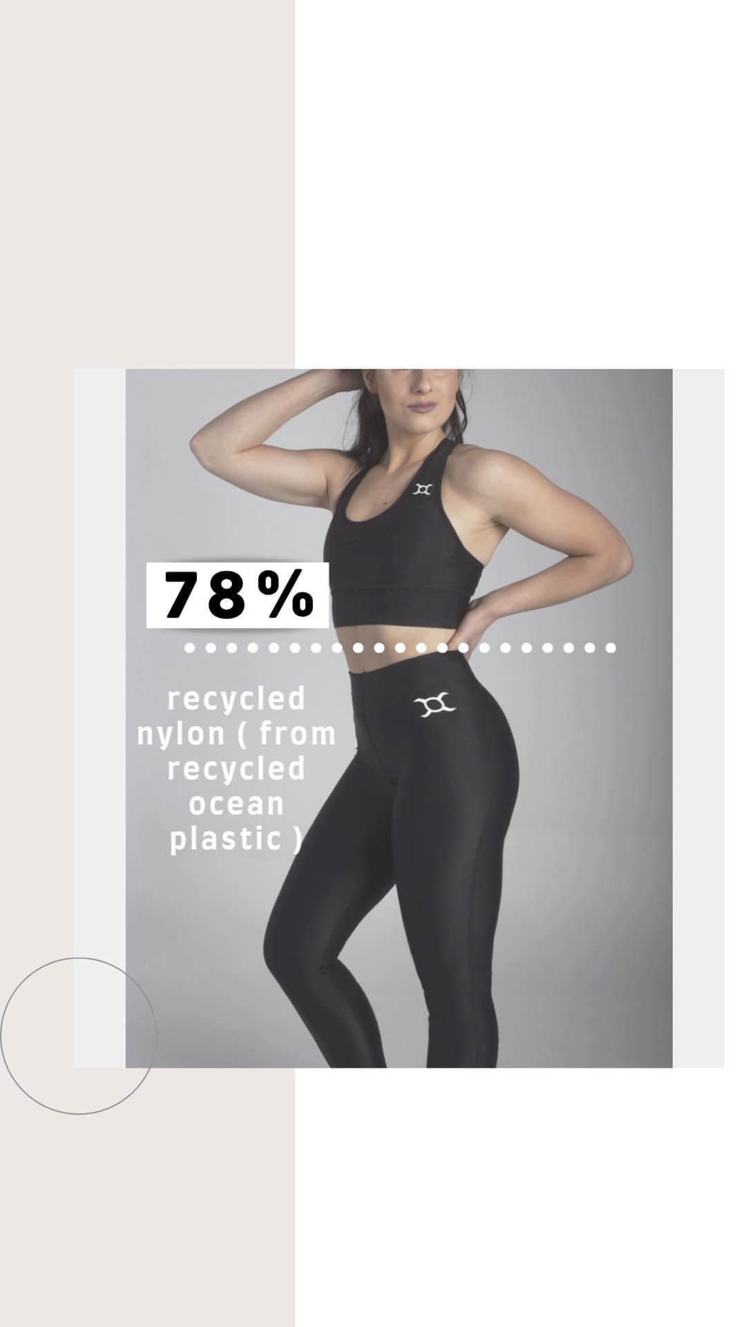 una mujer está vestida con ropa deportiva
