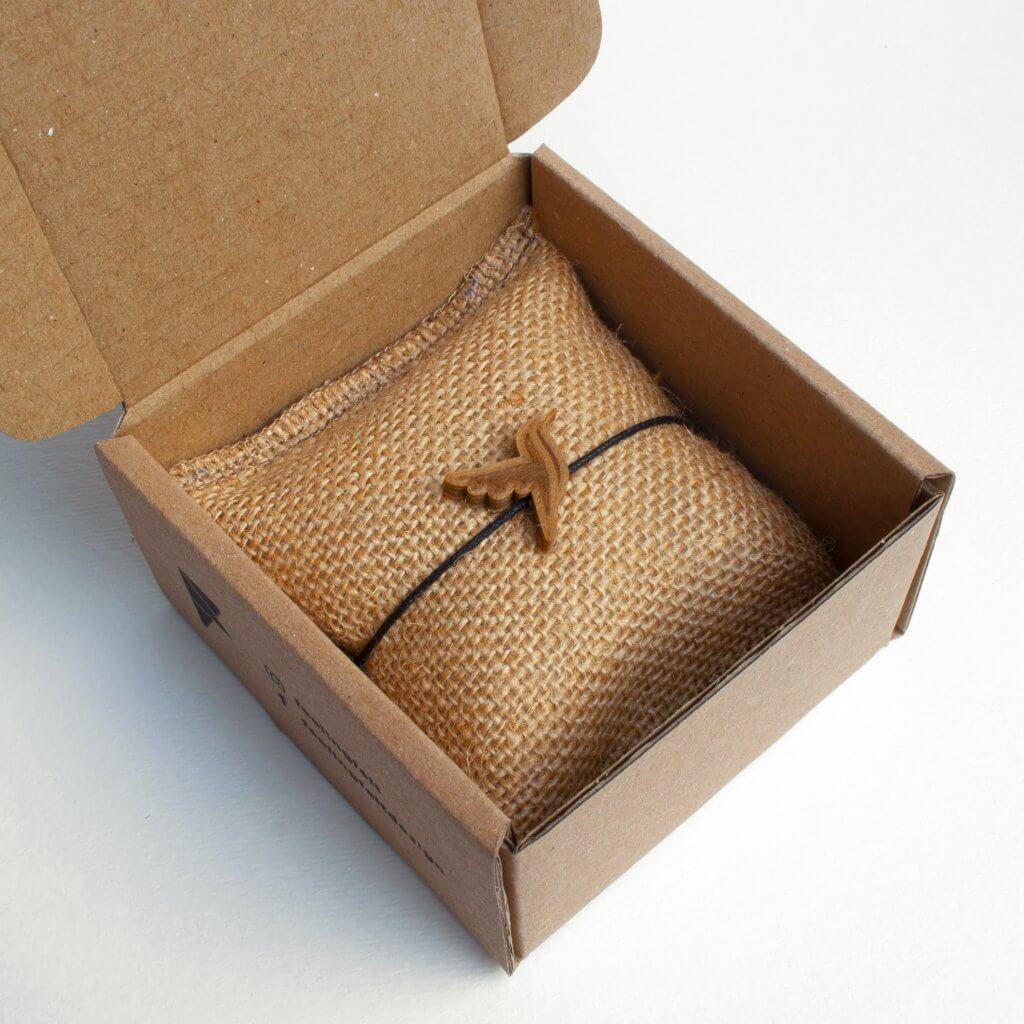accessories in custom packaging by feeling felt