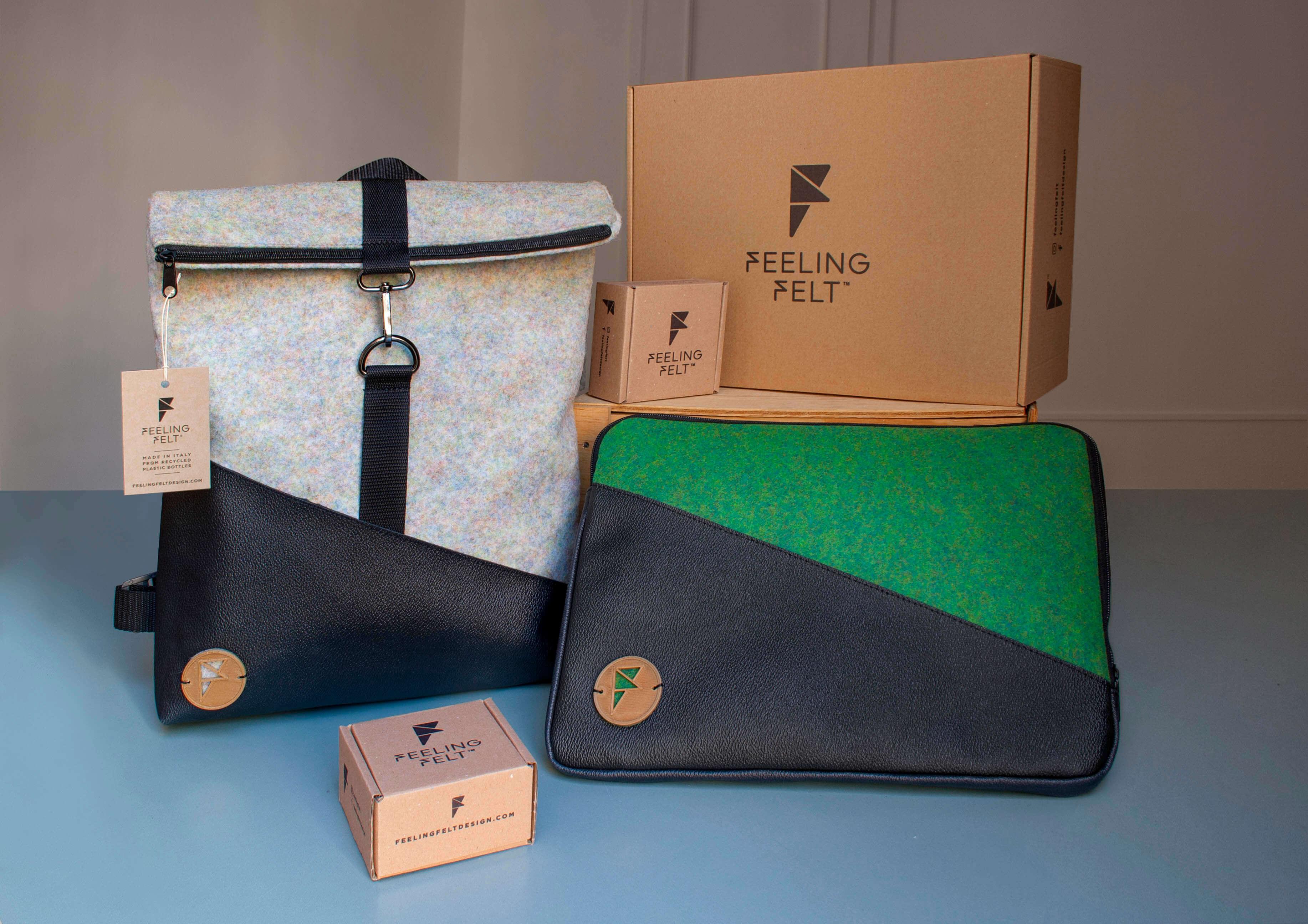 Dos mochilas y una caja de cartón de Feeling Felt