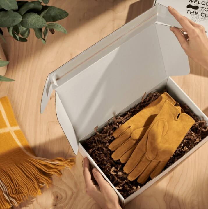 cajas de cartón para una tienda de ropa online