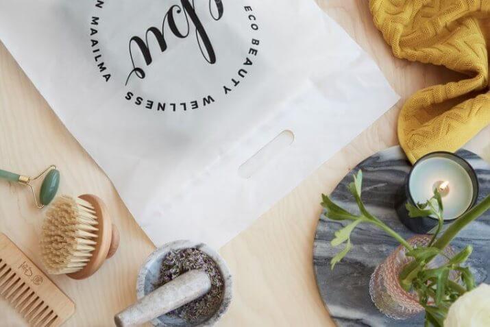 sobres compostables para una tienda de ropa online