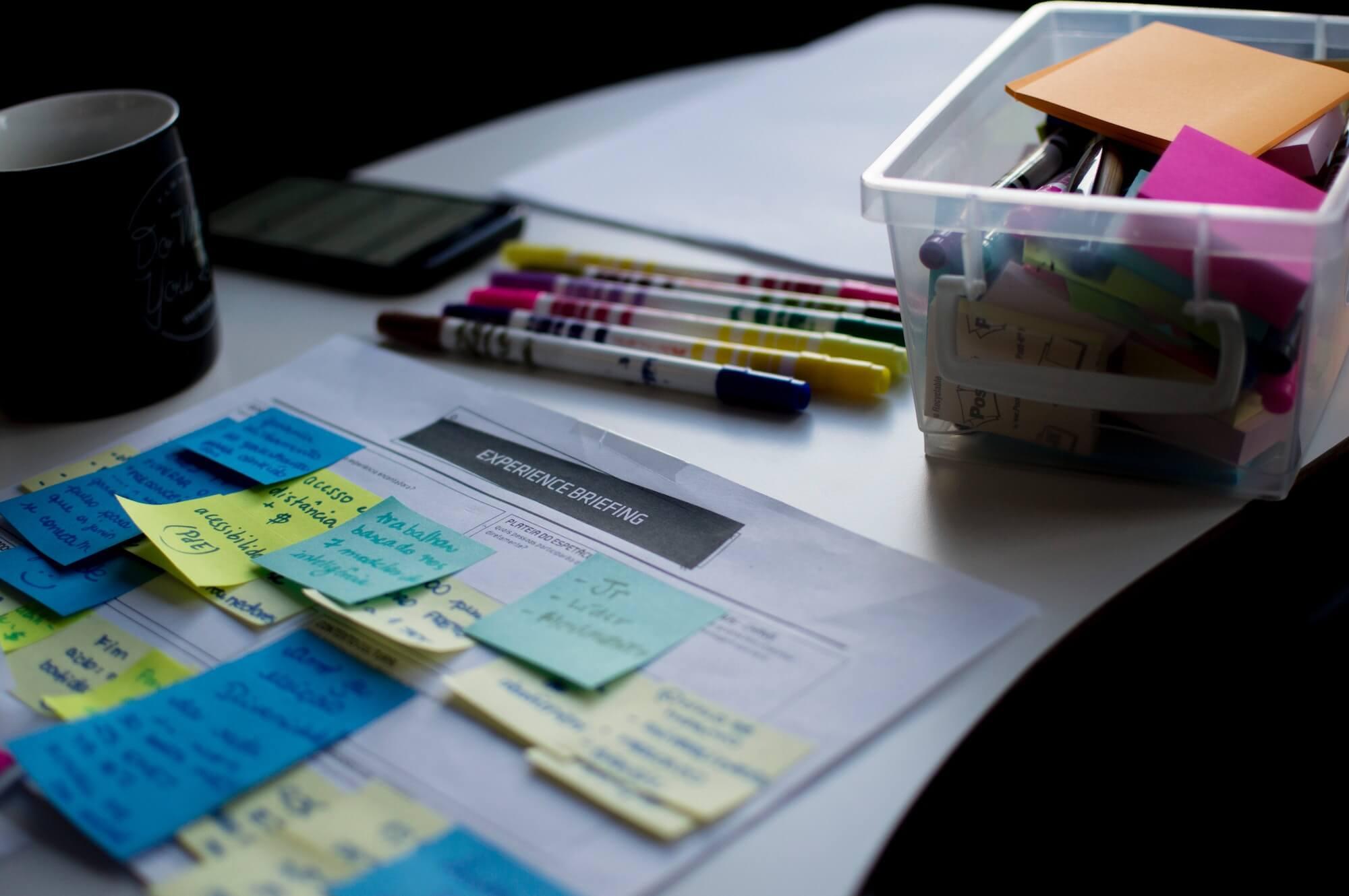 Design brief avec post-it