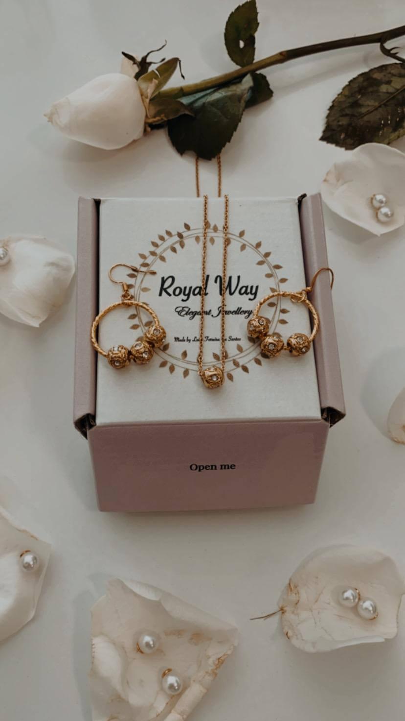 caja blanca para joyería de Royal Way