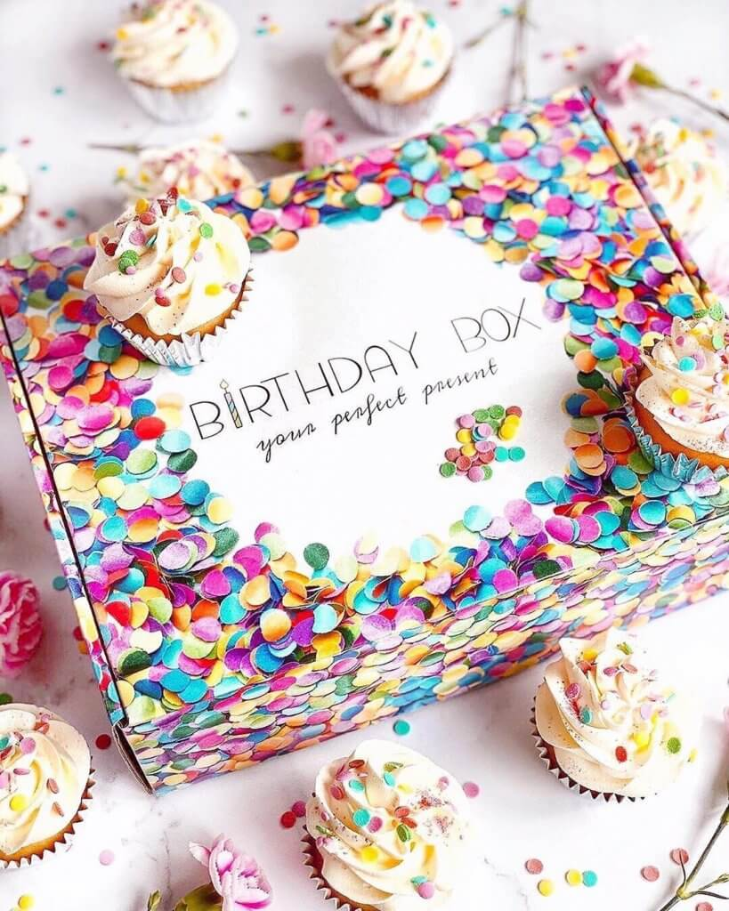 birthday box kolorowe pudełko