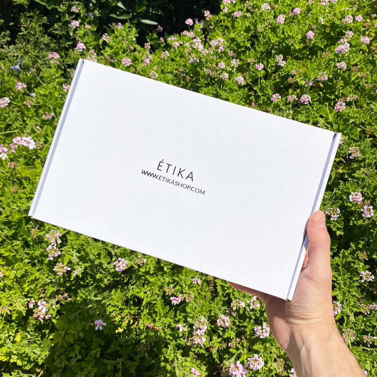 białe pudełko fasonowe etika shop