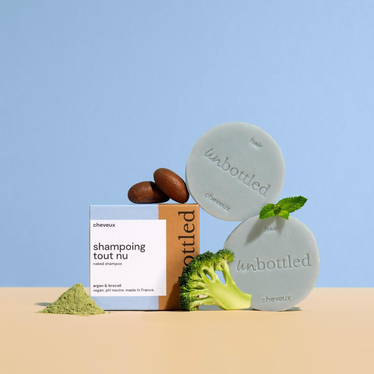 Boîte et produits Unbottled, cosmétiques écologiques et sans plastique