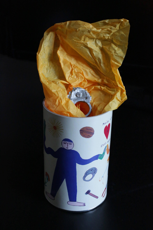 lattina in cartone packaging Studio Halbuki