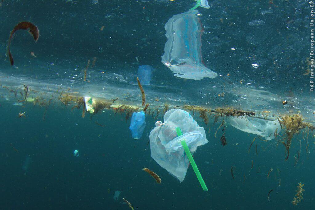 Déchets plastique dans la mer