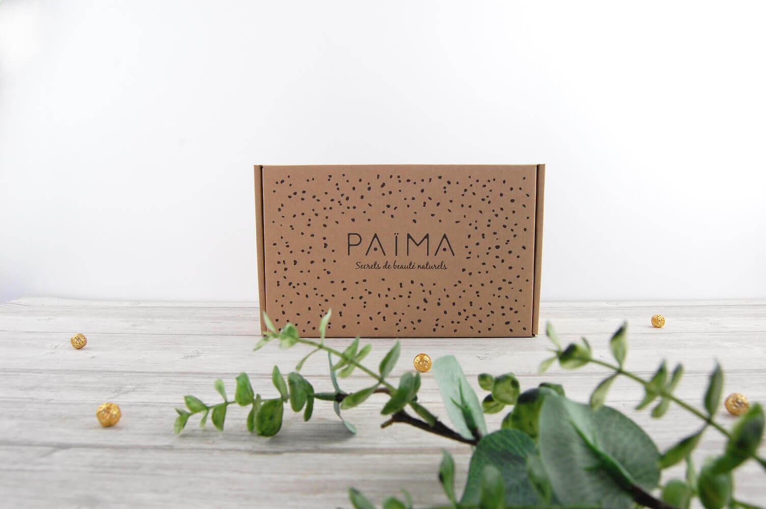 Una caja para envíos de la marca Païma