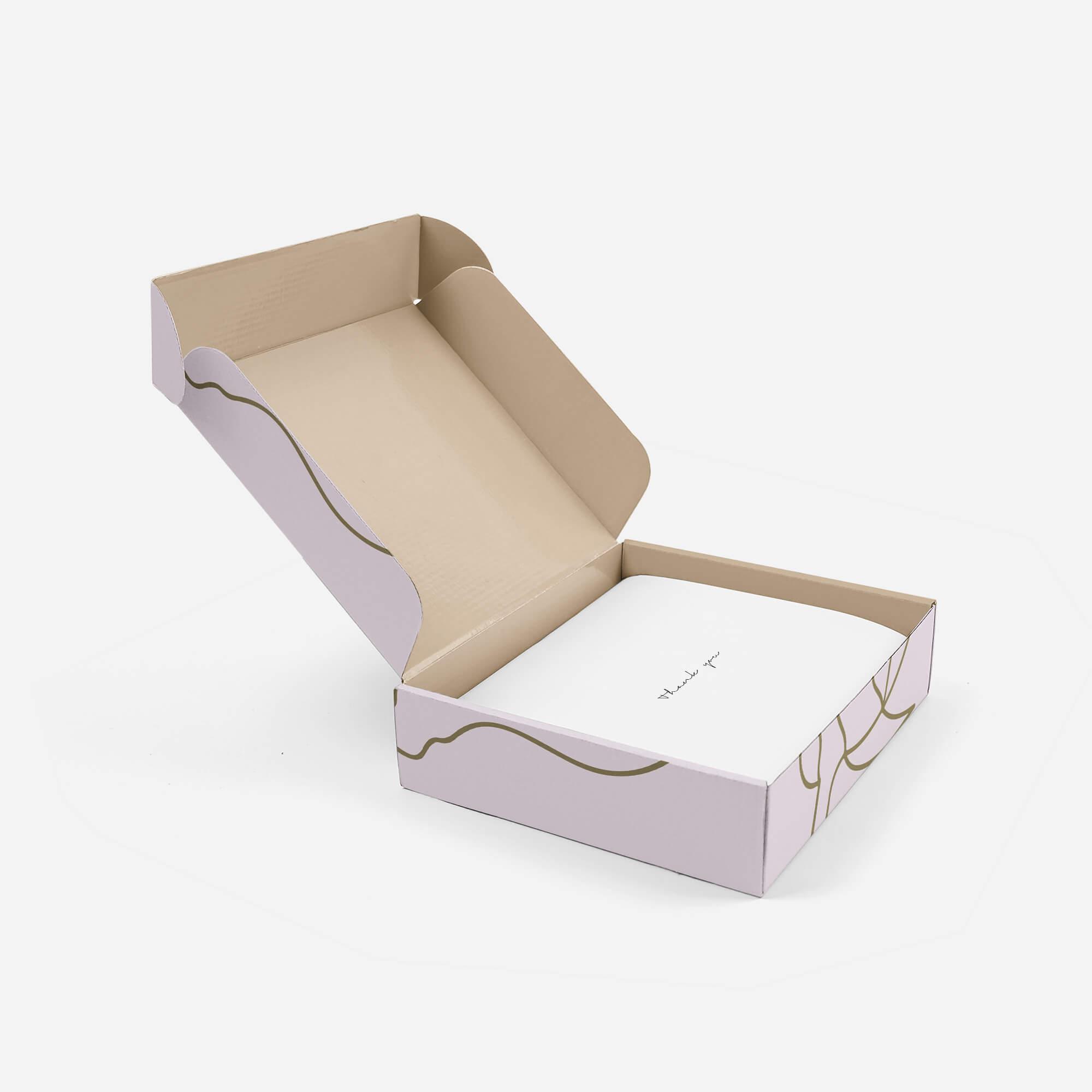 Caja de cartón personalizada y abierta