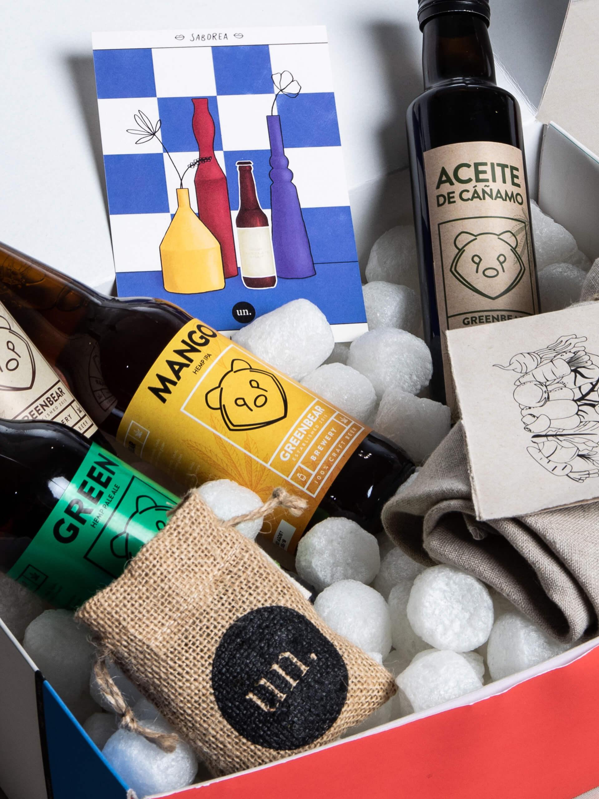 Botellas y aceites esenciales de Uncanny
