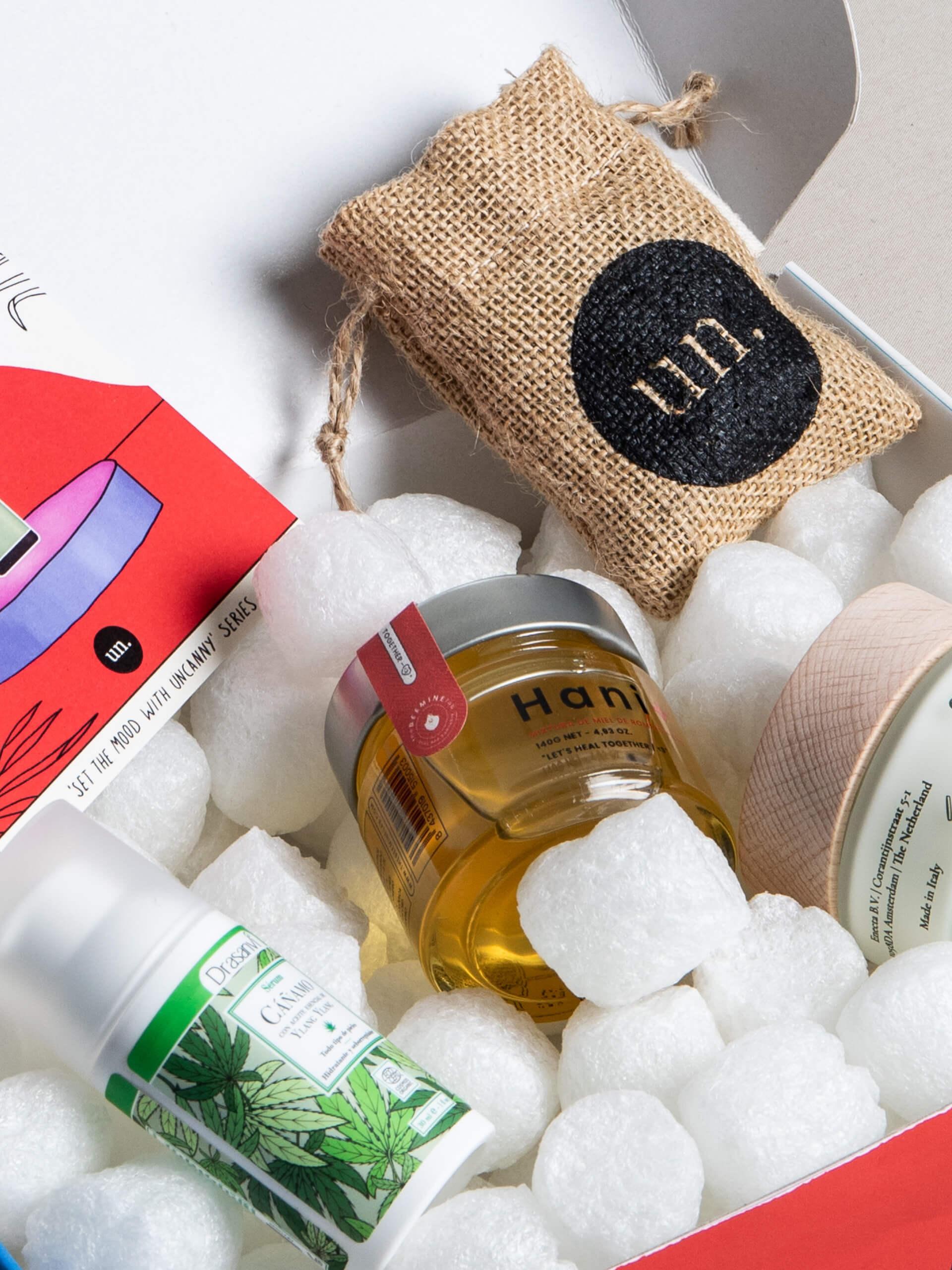 productos cosméticos de la marca Uncanny