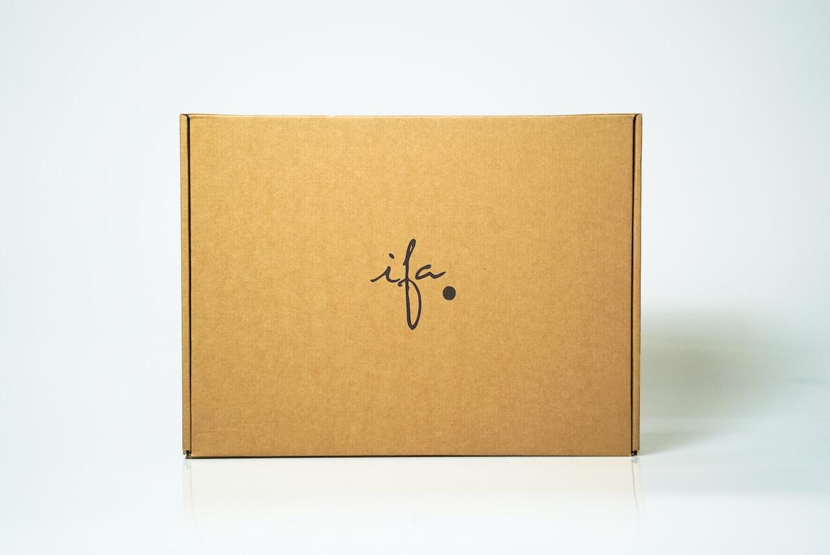 Boîte d'expédition écologique recyclée et biodégradable pour ifa