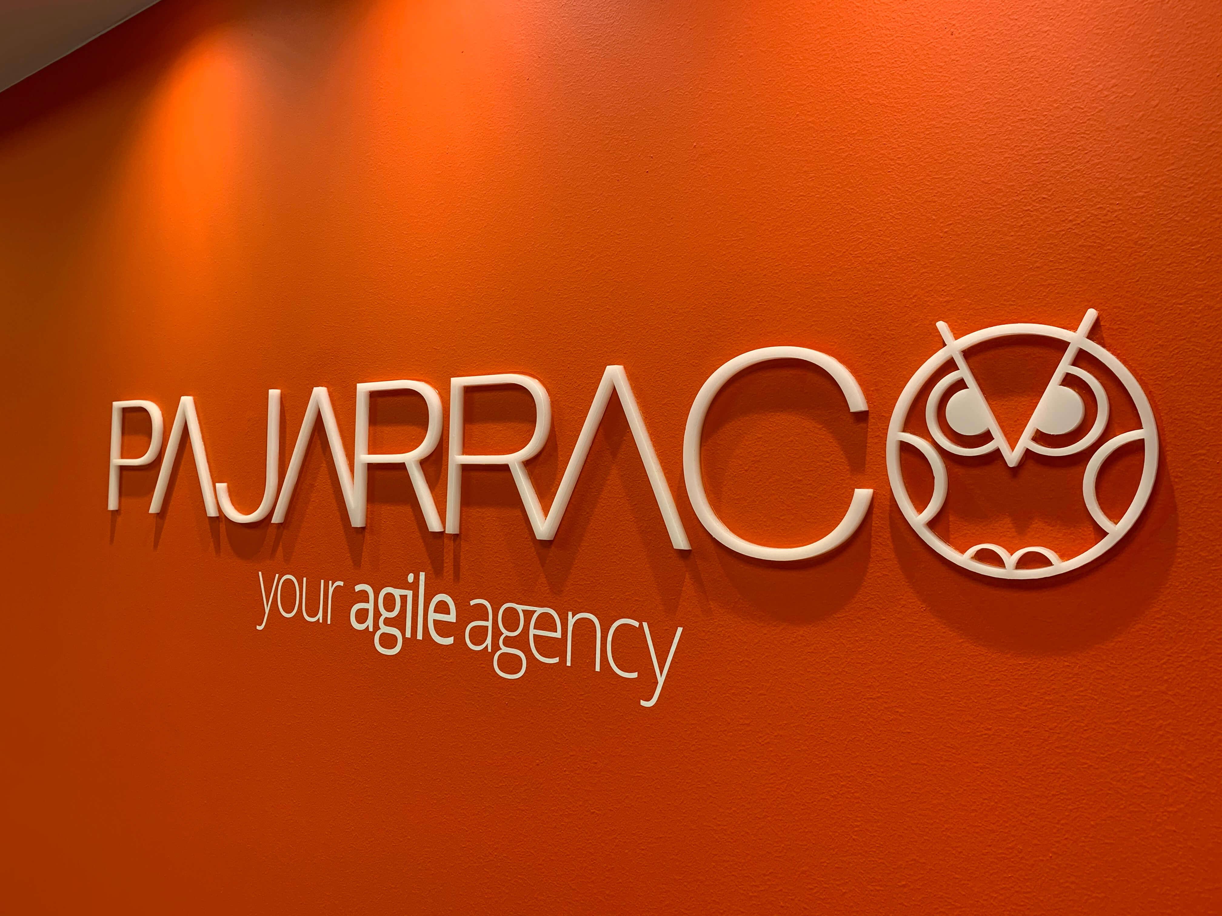 Logo de la agencia de marketing PAJARRACO