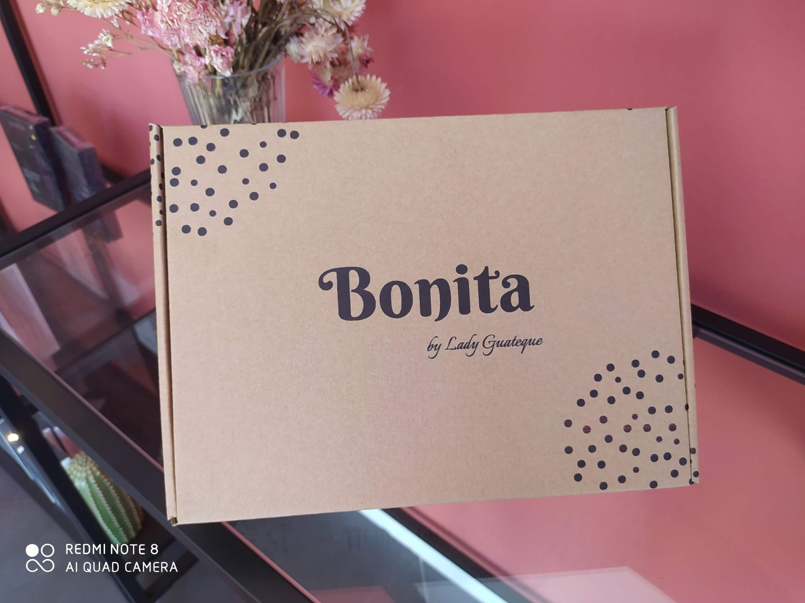 Una caja postal personalizada de Bonita Beauty Skin