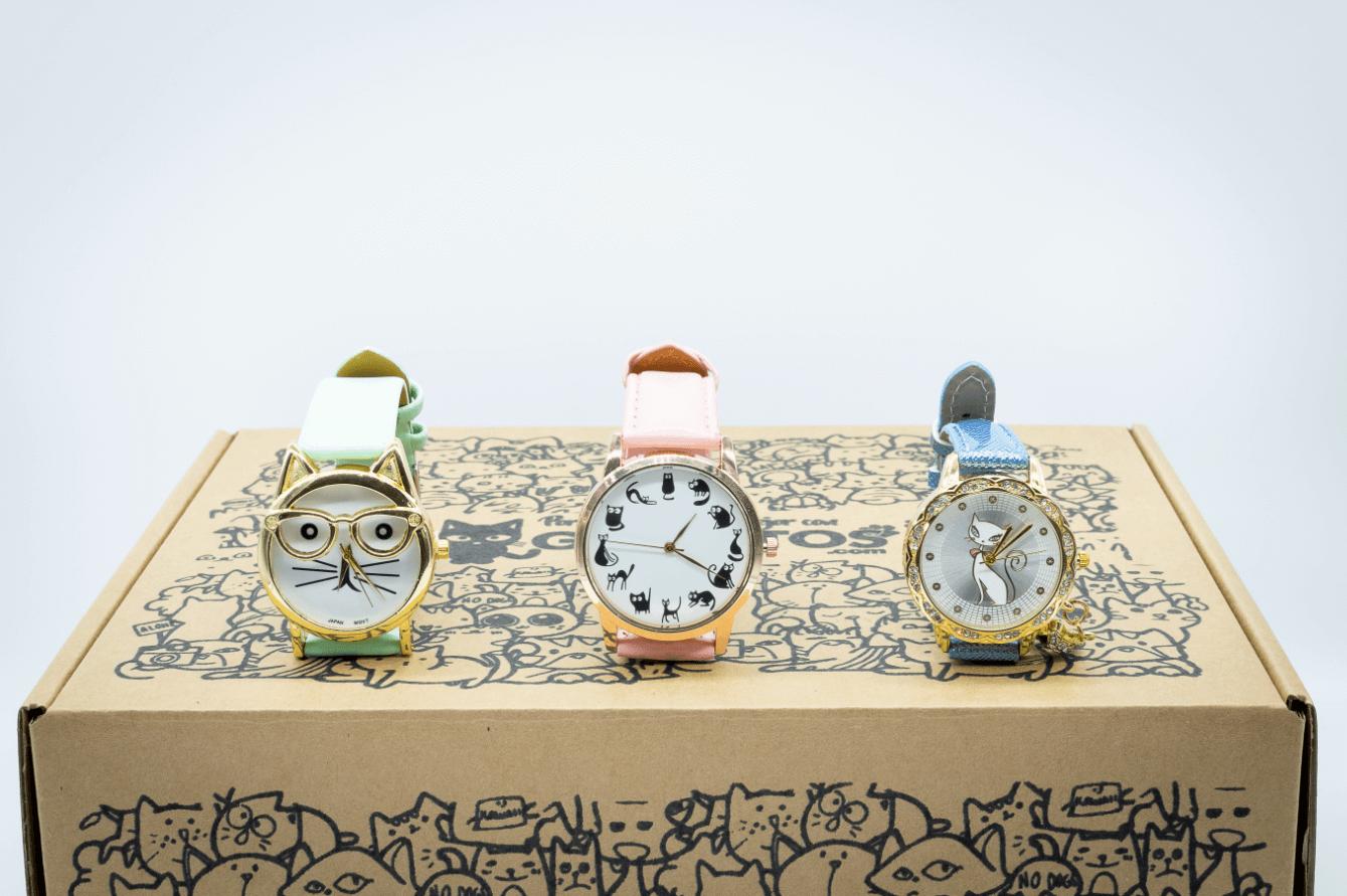 tres relojes de la marca Gatuitos