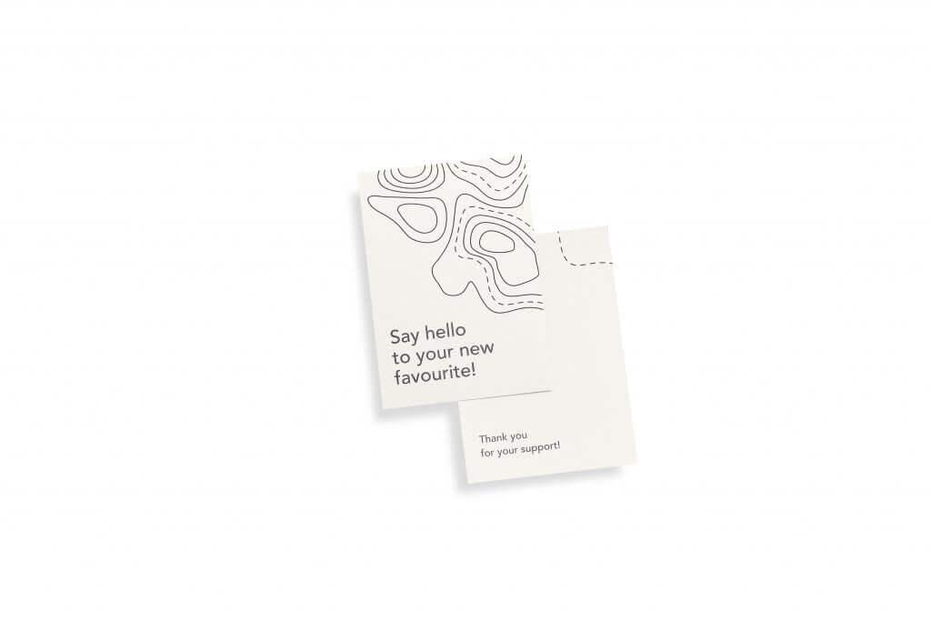 Carte de remerciement Packhelp en noir et blanc