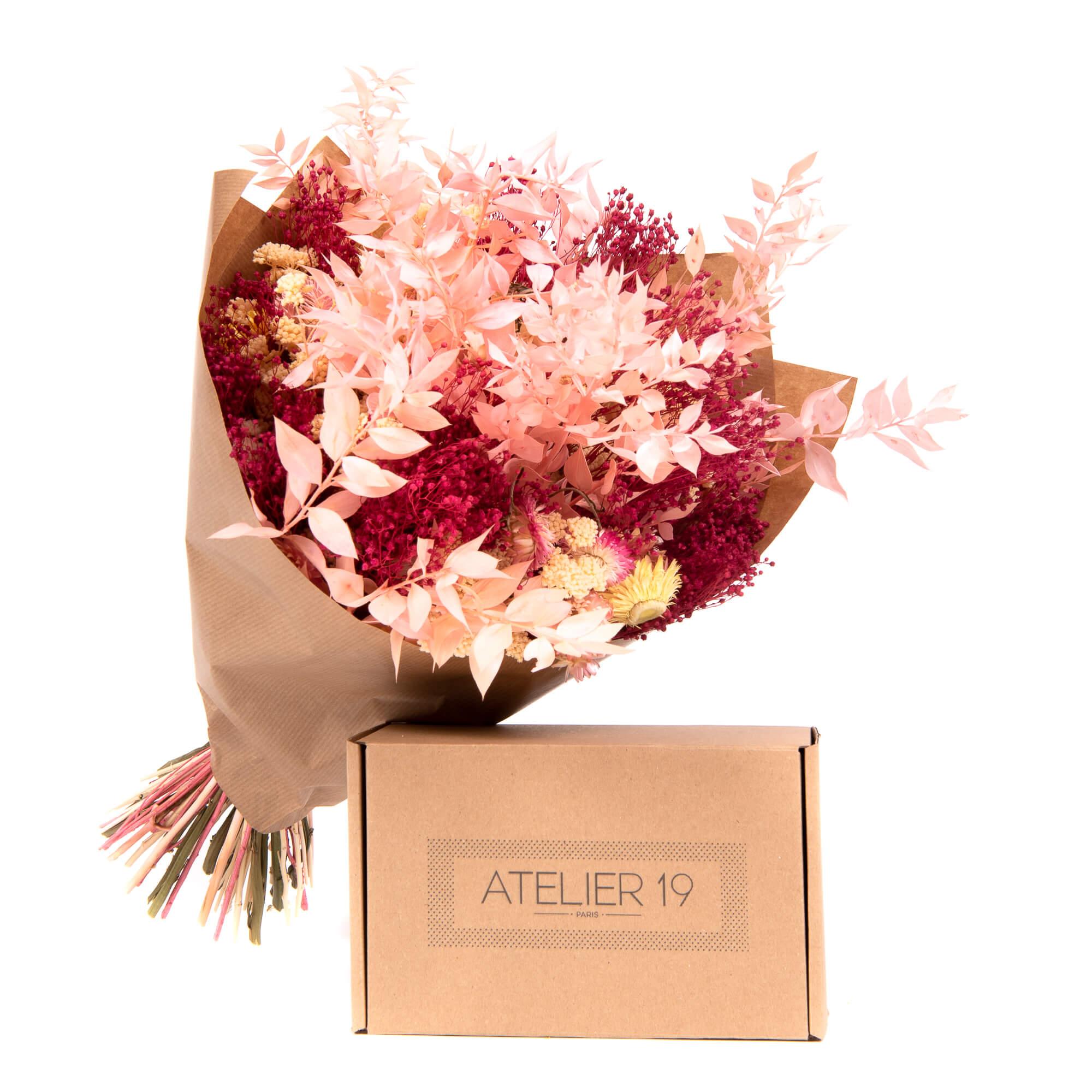 Un ramo de flores preparado por Atelier 19