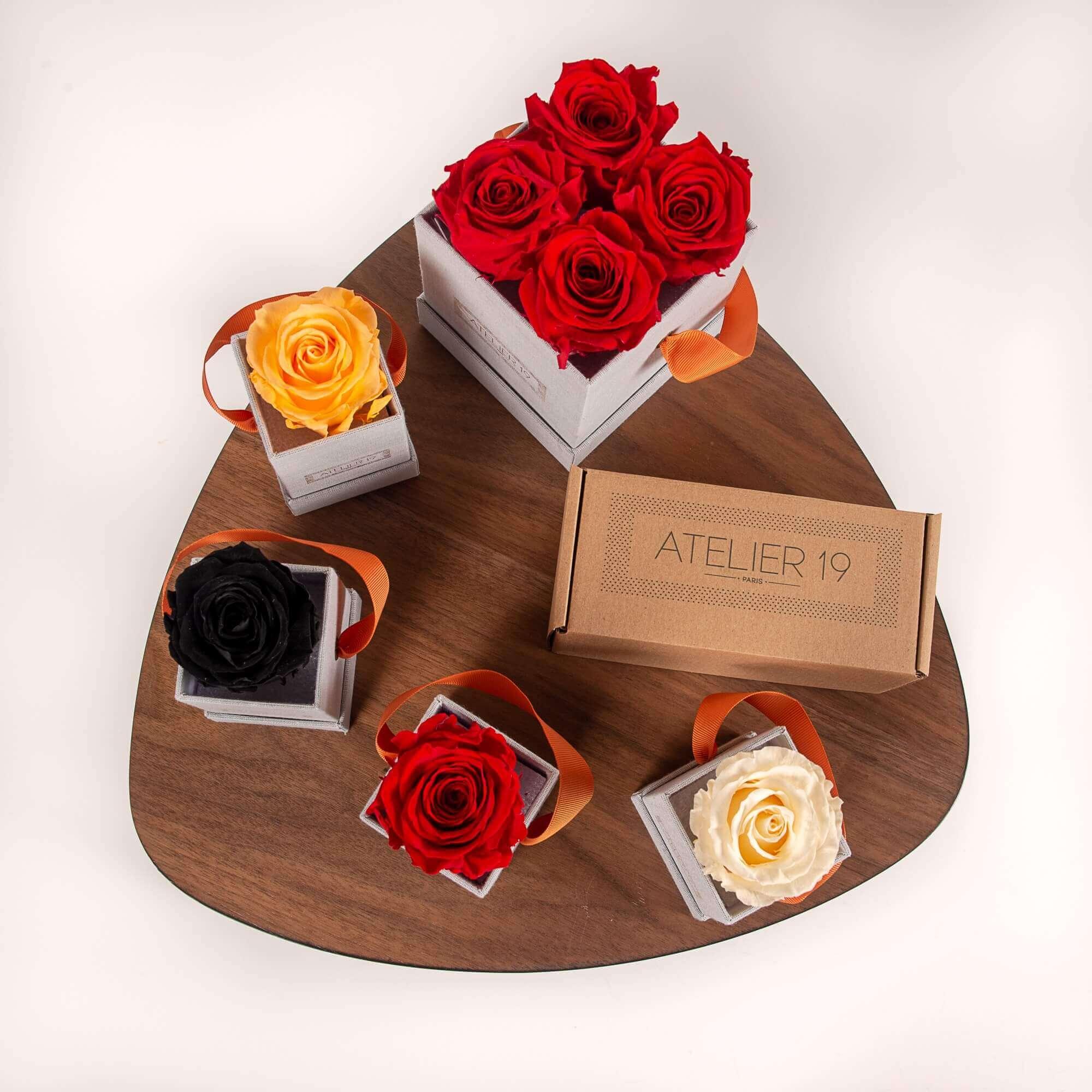 Cajas con rosas de diversos colores