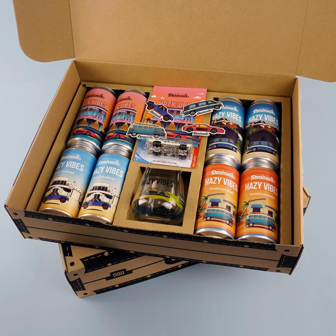 Caja con cervezas de la empresa Cervecera Península